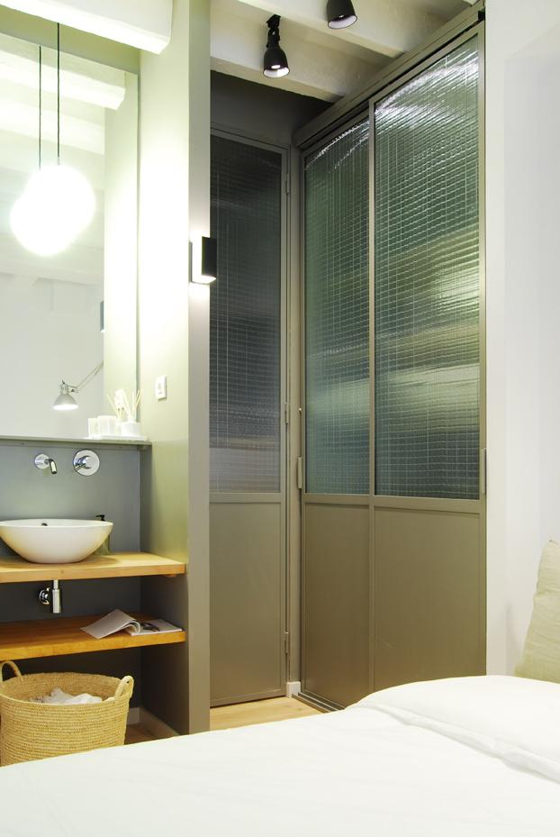 Habitación con Baño, Piso C/ Talleres Barcelona